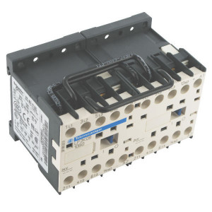 Schneider-Electric Omkeermagneetschakel. 9A 4kW - LC2K0901P7 | 57 mm | 50 mm | 2,2 kW | 4 kW | 1 pcs verbreker | 9 A | 230V AC V