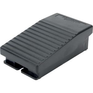 Schneider-Electric Pedaalschakelaar, kunststof - XPEA111 | 2x ISO M20 of PG13 | 0,27 A DC-13 220V | 2x10E6 schakelingen