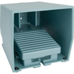Schneider-Electric Pedaalschakelaar, metaal - XPEM310 | 2x PG16 | 0,27 A DC-13 220V | 15x10E6 schakelingen