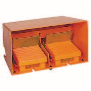 Schneider-Electric Pedaalschakelaar dubbel metaal - XPER5100D | 2x PG16 | 0,27 A DC-13 220V | 15x10E6 schakelingen