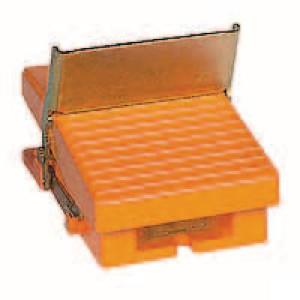 Schneider-Electric Pedaalschakelaar, metaal - XPER810 | 2x PG16 | 0,27 A DC-13 220V | 15x10E6 schakelingen